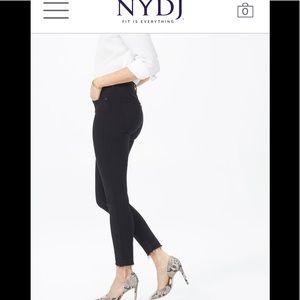Pants - NWT NYDJ Black Super Skinny jeans. Size 2